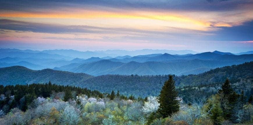 Beautiful photo of the mountains in North Carolina